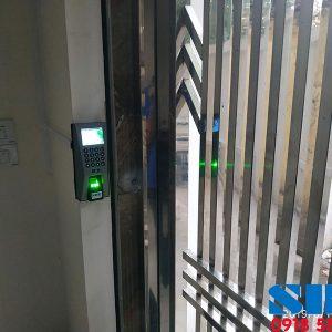 Bộ-khóa-cửa-cổng-bằng-vân-tay-nhà-trọ-Ronald-jack-F18